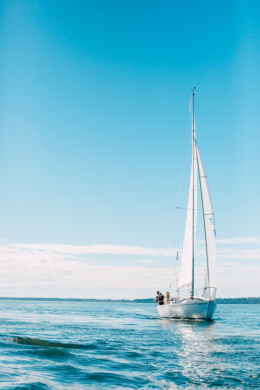 045-bellingham-bay-washington-sailboat-engagement-katheryn-moran-mickeykatie.jpg