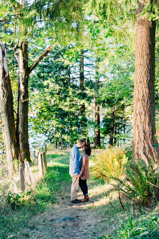005-bellingham-engagement-woodstock-farm-katheryn-moran-photography-briannamark.jpg