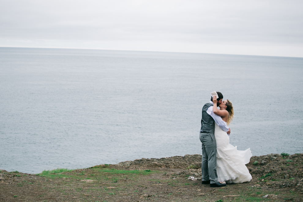 029-deception-pass-wedding-washington-first-look-katheryn-moran-photography.jpg