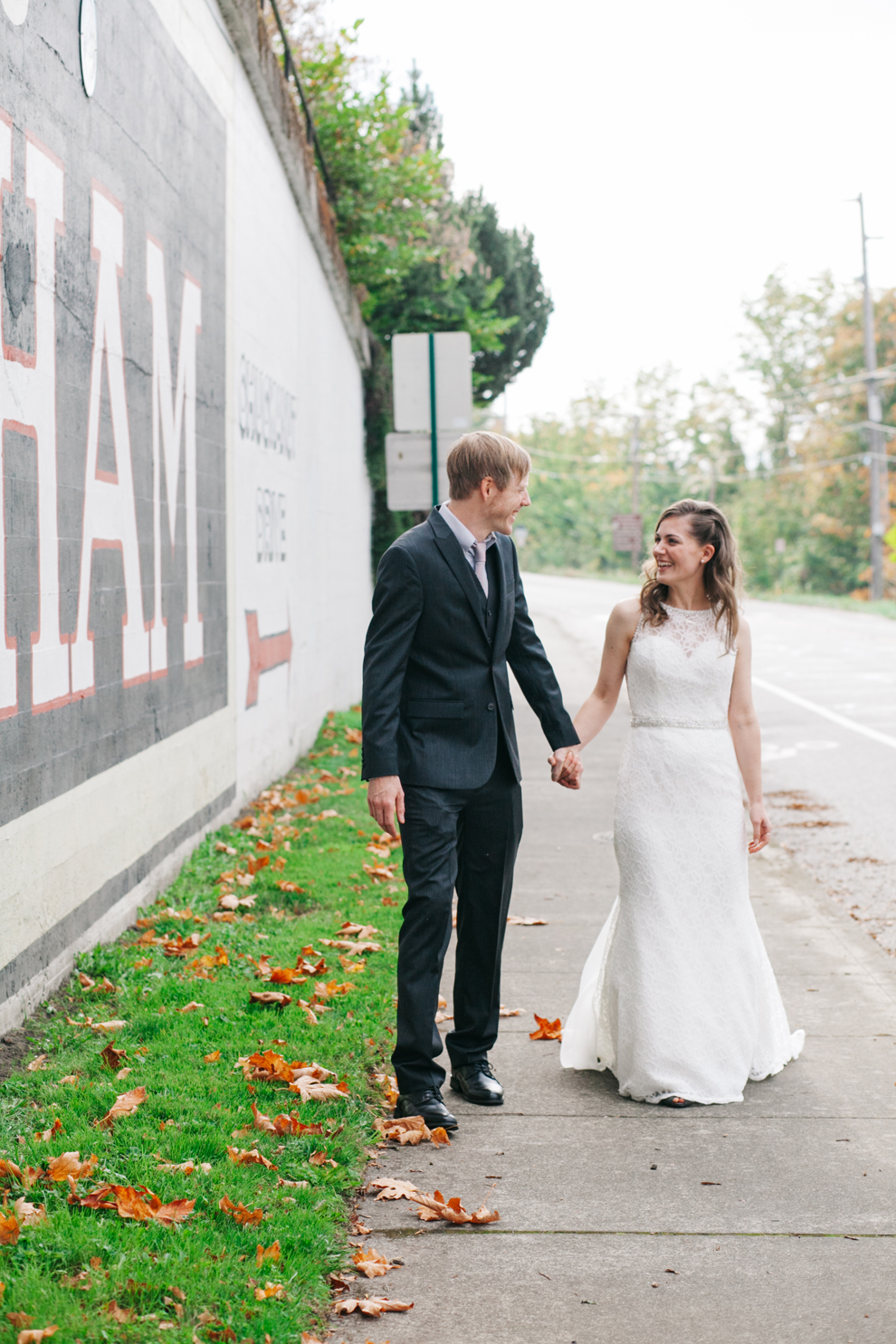 039-bellingham-washington-wedding-first-look-downtown-katheryn-moran-photography.jpg