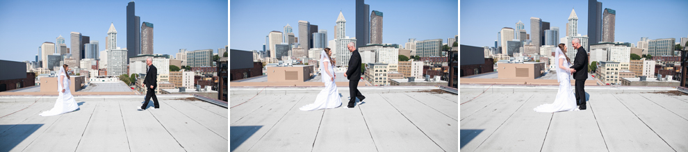 046-seattle-court-in-the-square-wedding-first-look-katheryn-moran-photography.jpg