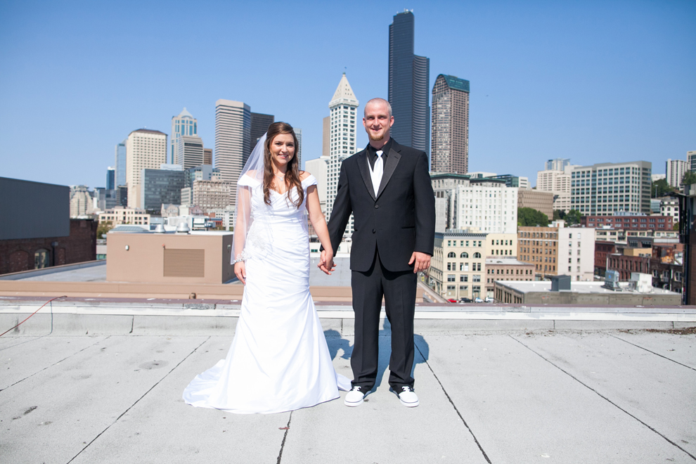 051-seattle-court-in-the-square-wedding-first-look-katheryn-moran-photography.jpg