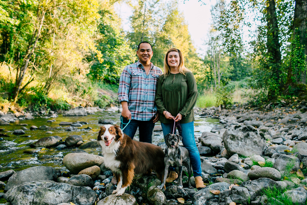 001-bellingham-fall-city-engagement-photographer-katheryn-moran-dogs-tommy-alyssa.jpg