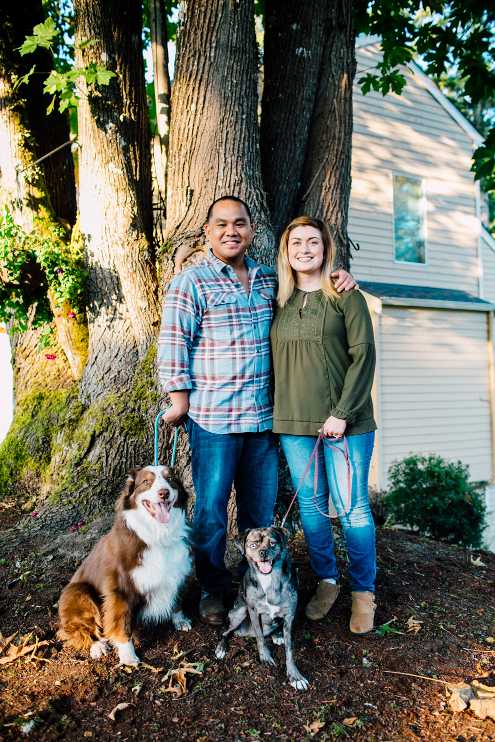 005-bellingham-fall-city-engagement-photographer-katheryn-moran-dogs-tommy-alyssa.jpg