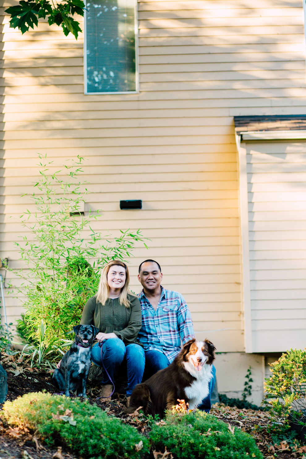 004-bellingham-fall-city-engagement-photographer-katheryn-moran-dogs-tommy-alyssa.jpg