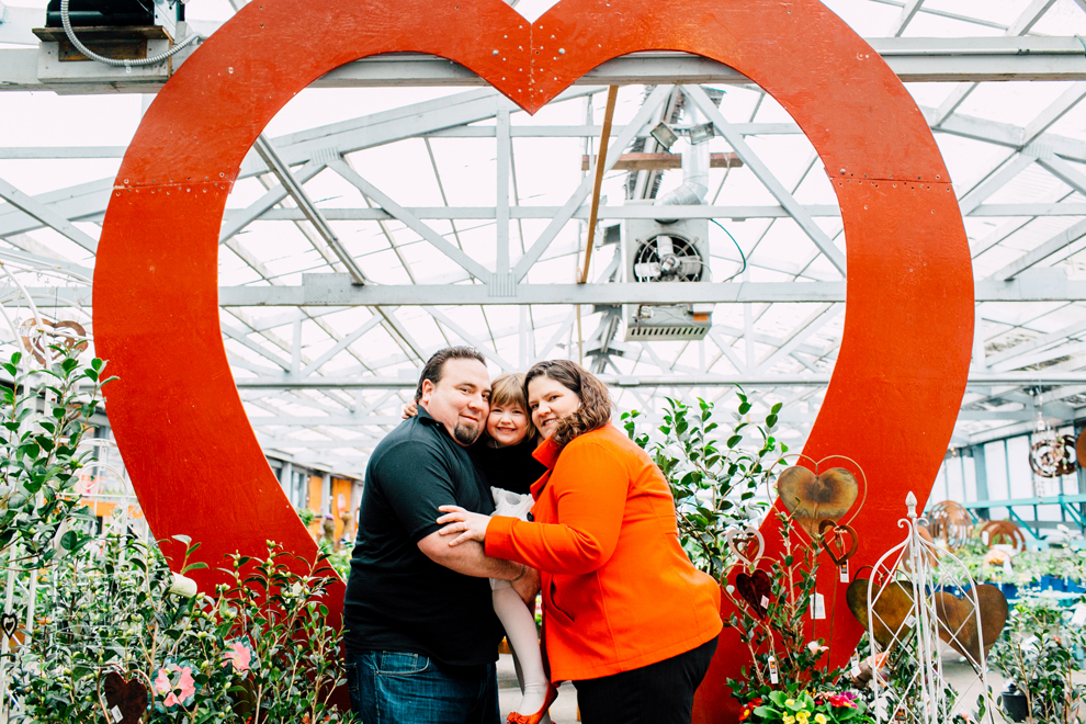 023-bellingham-photographer-my-garden-nursery-valentines-mini-sessions.jpg