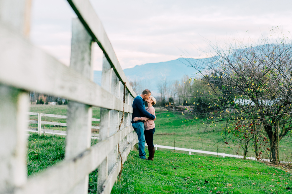 008-bellingham-everson-seattle-engagement-photographer-katheryn-moran-courtney-scott.jpg