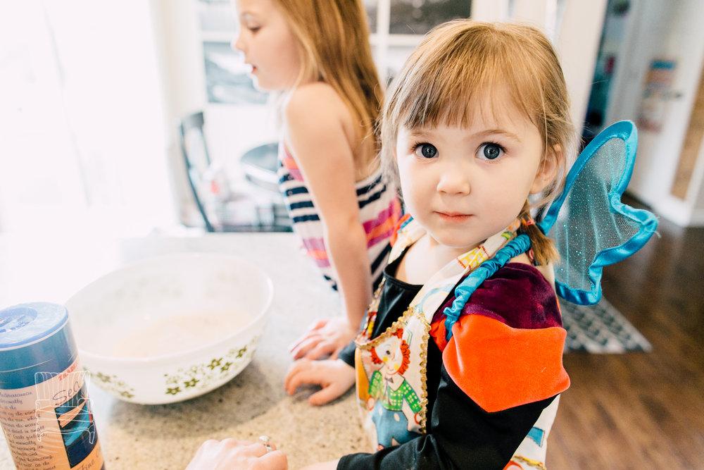 bellingham-lifestyle-photographer-katheryn-moran-mother-daughter-baking-spencer-16.jpg