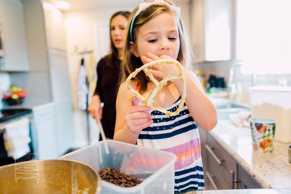 bellingham-lifestyle-photographer-katheryn-moran-mother-daughter-baking-spencer-80.jpg