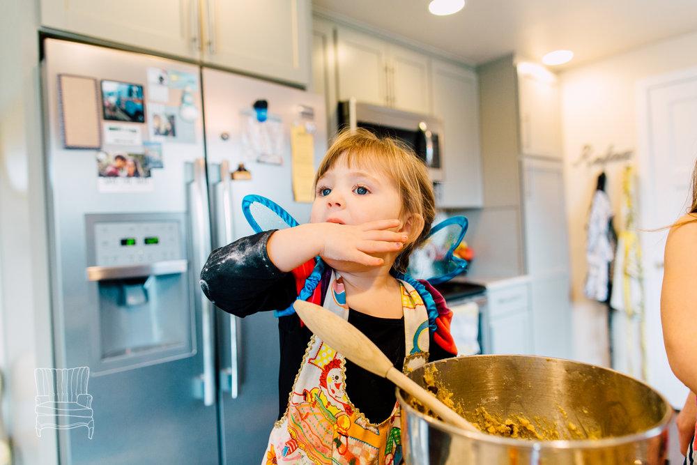 bellingham-lifestyle-photographer-katheryn-moran-mother-daughter-baking-spencer-95.jpg