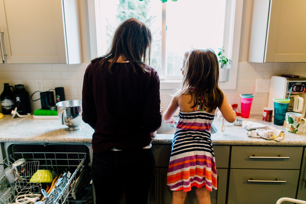 bellingham-lifestyle-photographer-katheryn-moran-mother-daughter-baking-spencer-106.jpg