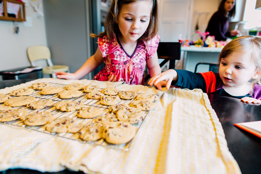 bellingham-lifestyle-photographer-katheryn-moran-mother-daughter-baking-spencer-108.jpg