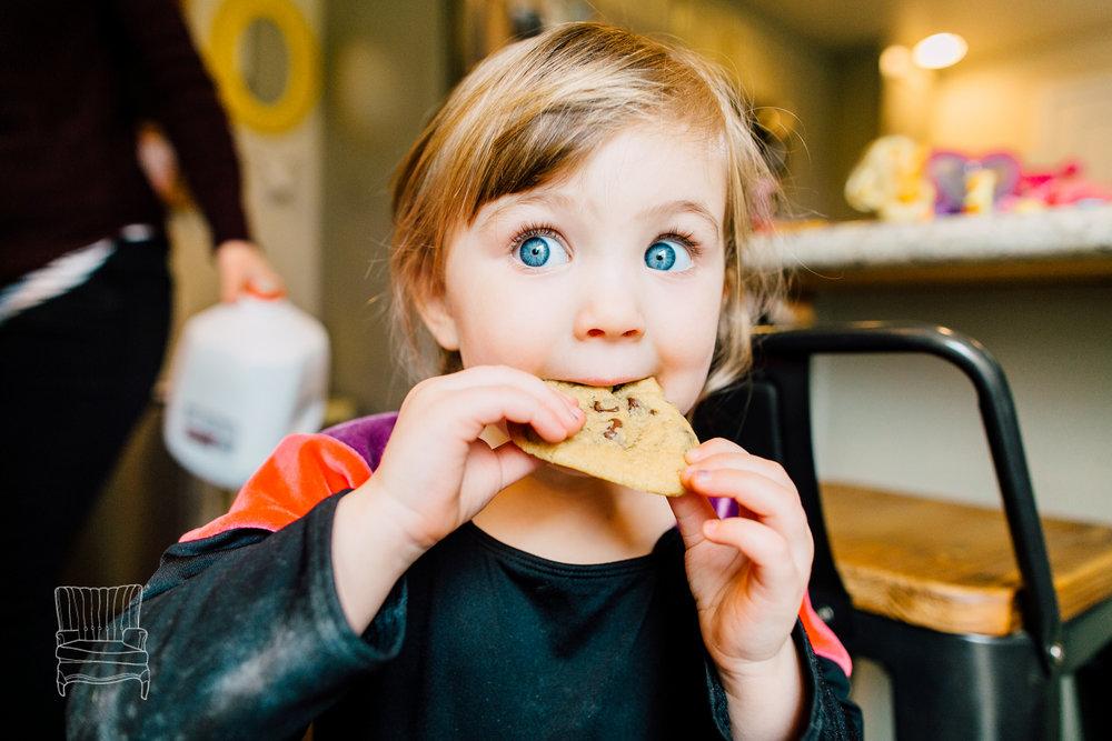 bellingham-lifestyle-photographer-katheryn-moran-mother-daughter-baking-spencer-112.jpg