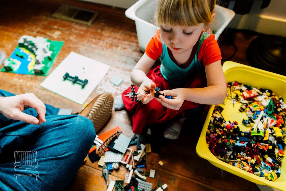 bellingham-lifestyle-photographer-katheryn-moran-father-daughter-lego-24.jpg
