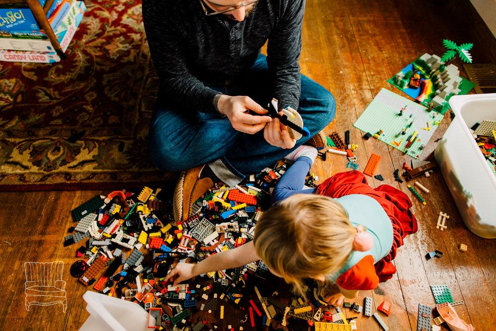 bellingham-lifestyle-photographer-katheryn-moran-father-daughter-lego-52.jpg