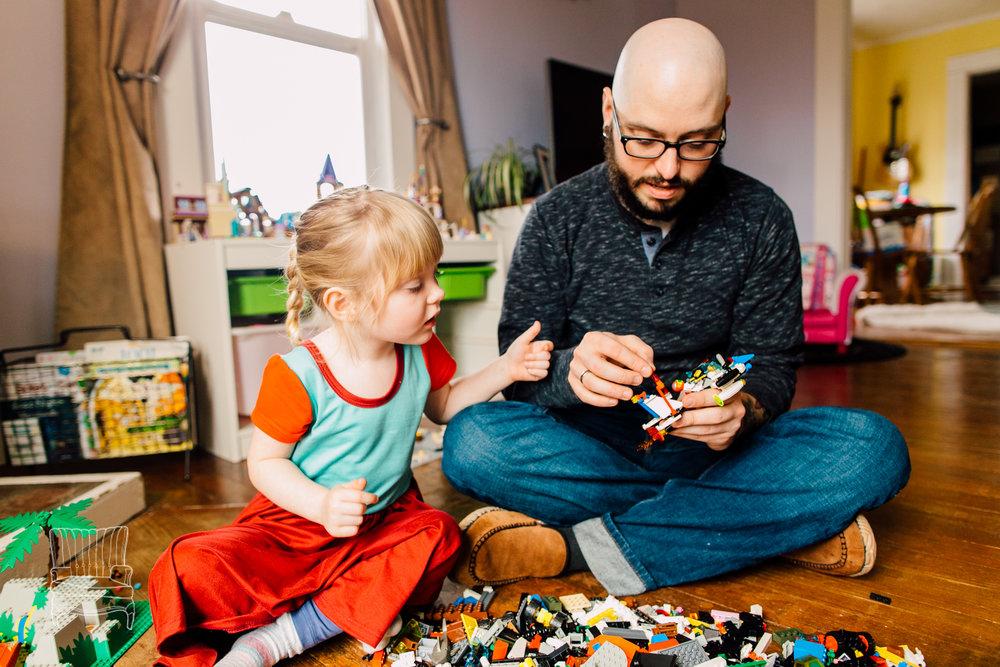 bellingham-lifestyle-photographer-katheryn-moran-father-daughter-lego-70.jpg