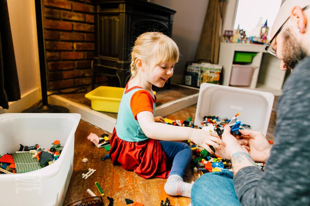 bellingham-lifestyle-photographer-katheryn-moran-father-daughter-lego-58.jpg