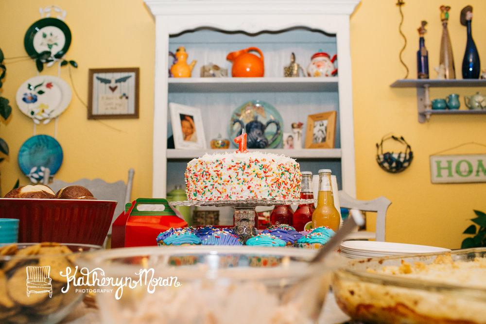 Elliot Birthday Cake Smash-2.jpg