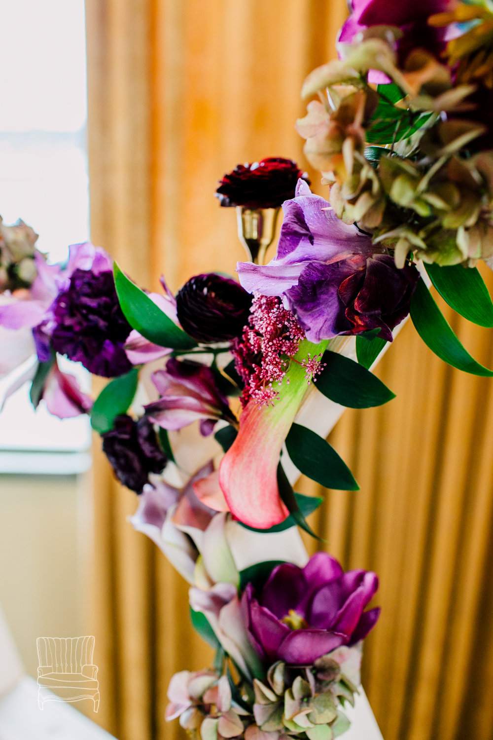 bellwether-hotel-bellingham-wedding-photographer-katheryn-moran-glitz-glam-styled-460.jpg