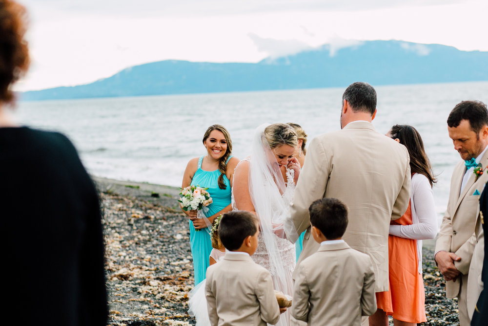 065-bellingham-wedding-photographer-beach-katheryn-moran-elisa-phillip.jpg