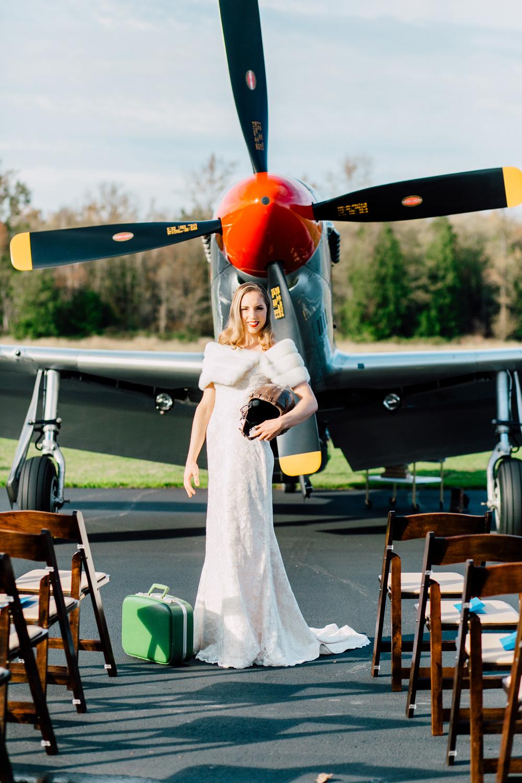 003-burlington-flight-museum-wedding-katheryn-moran-photography-aviation.jpg