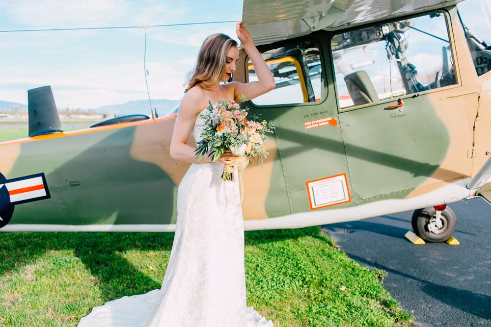 010-burlington-flight-museum-wedding-katheryn-moran-photography-aviation.jpg