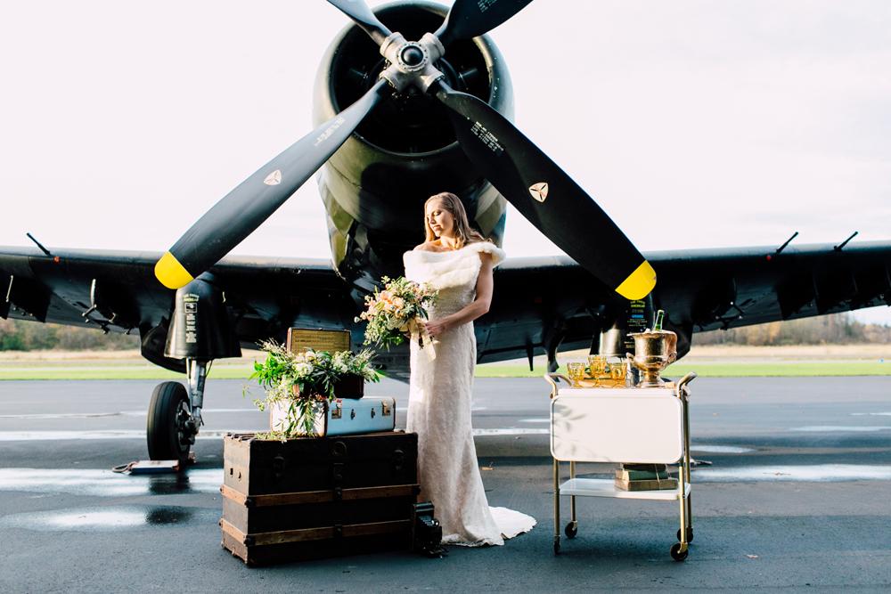 031-burlington-flight-museum-wedding-katheryn-moran-photography-aviation.jpg