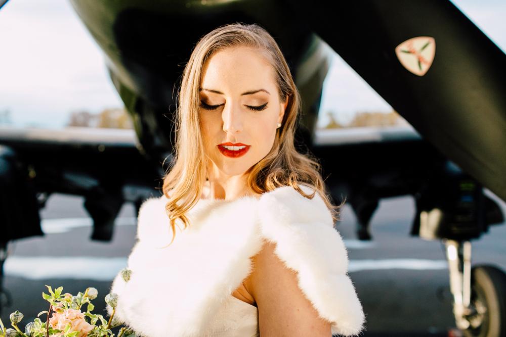 033-burlington-flight-museum-wedding-katheryn-moran-photography-aviation.jpg
