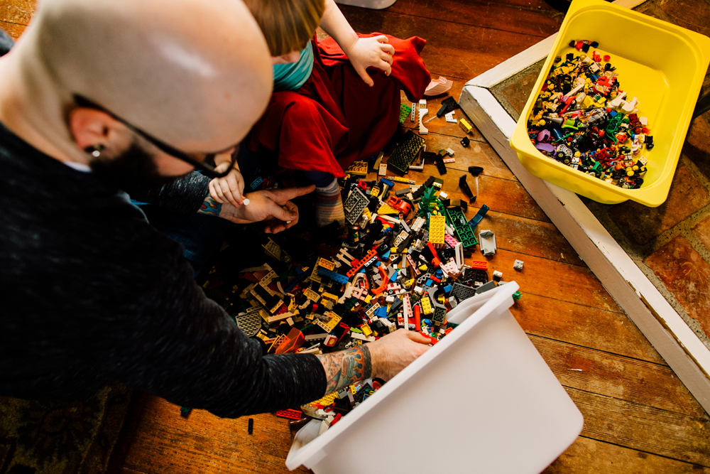 013-bellingham-lifestyle-photographer-katheryn-moran-lego-building-in-home-session.jpg