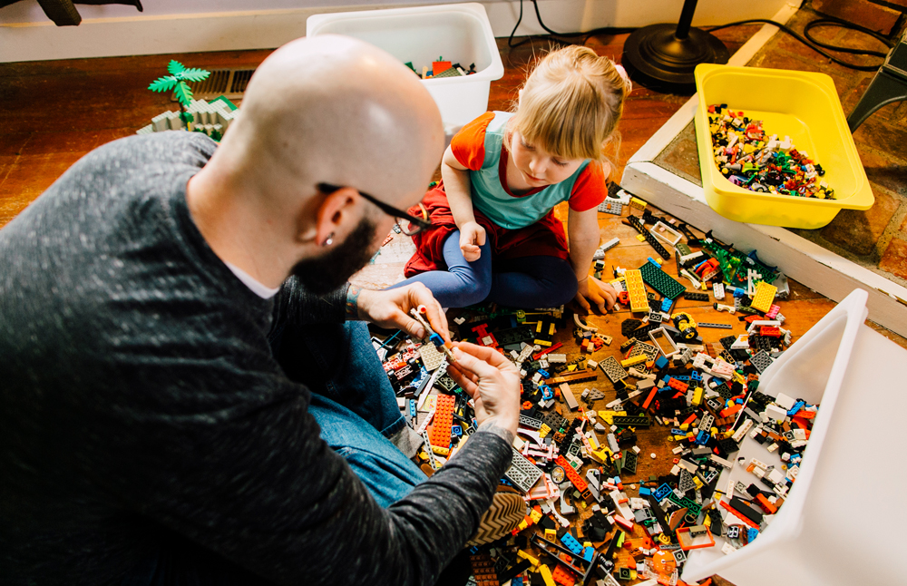 016-bellingham-lifestyle-photographer-katheryn-moran-lego-building-in-home-session.jpg
