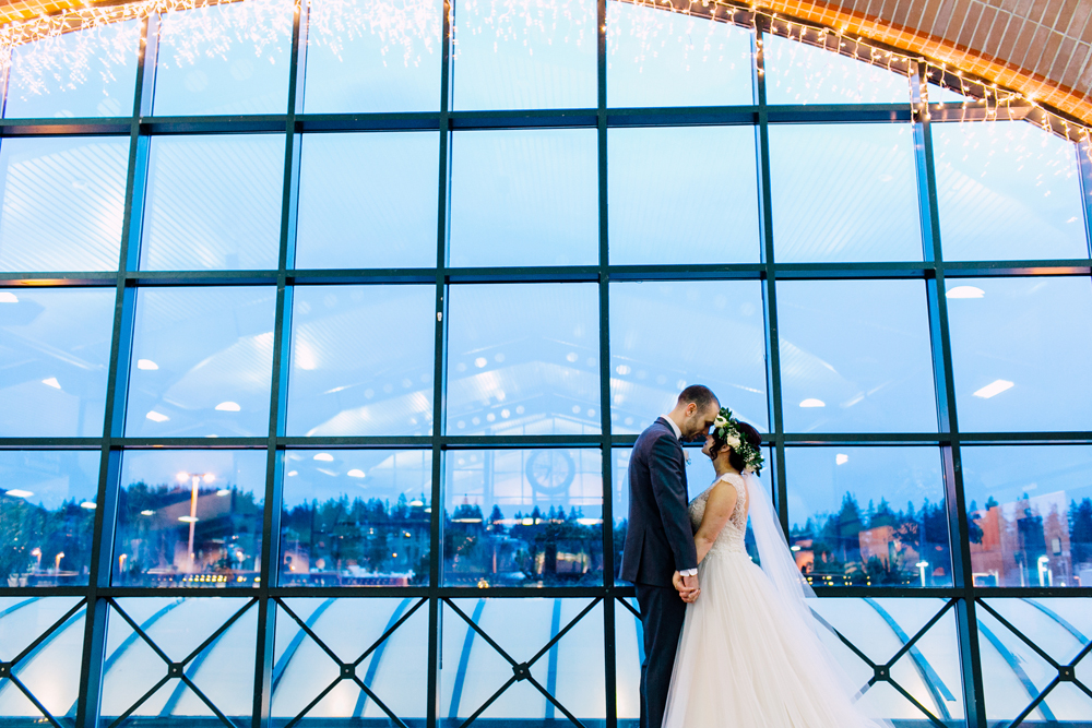 049-bellingham-wedding-photographer-katheryn-moran-fairhaven-ferry-terminal-mark-bri.jpg