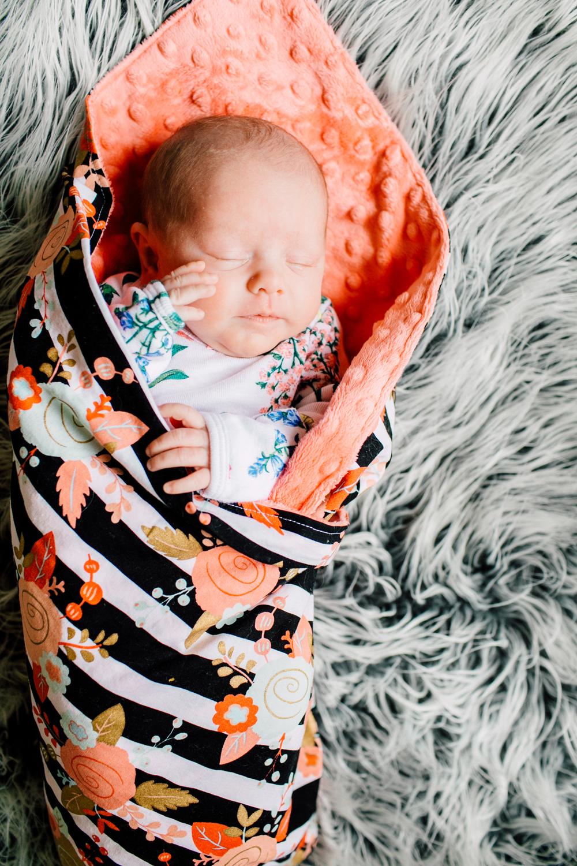 001-bellingham-newborn-photographer-katheryn-moran-lifestyle-cora.jpg