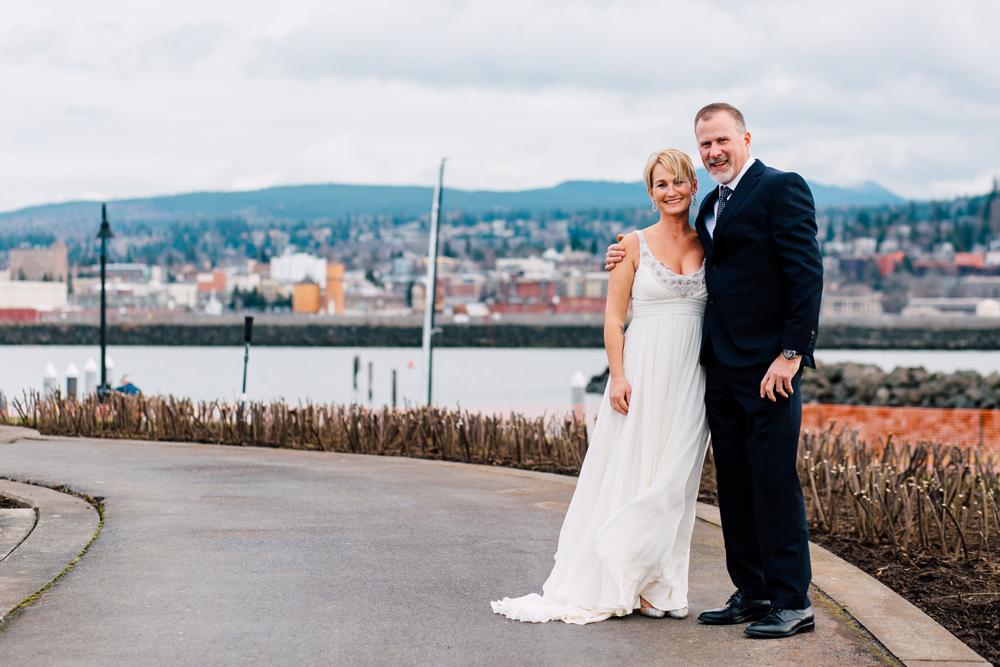 019-bellingham-wedding-photographer-bellwether-squalicum-boathouse-katheryn-moran-2017.jpg