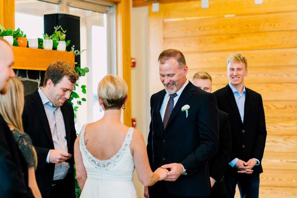 053-bellingham-wedding-photographer-bellwether-squalicum-boathouse-katheryn-moran-2017.jpg