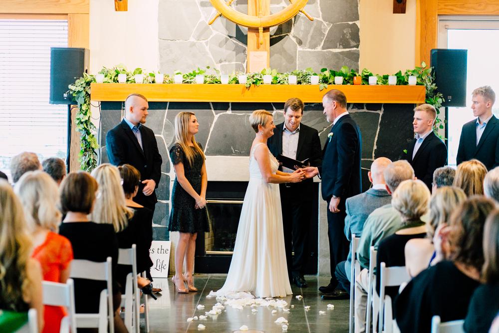 055-bellingham-wedding-photographer-bellwether-squalicum-boathouse-katheryn-moran-2017.jpg