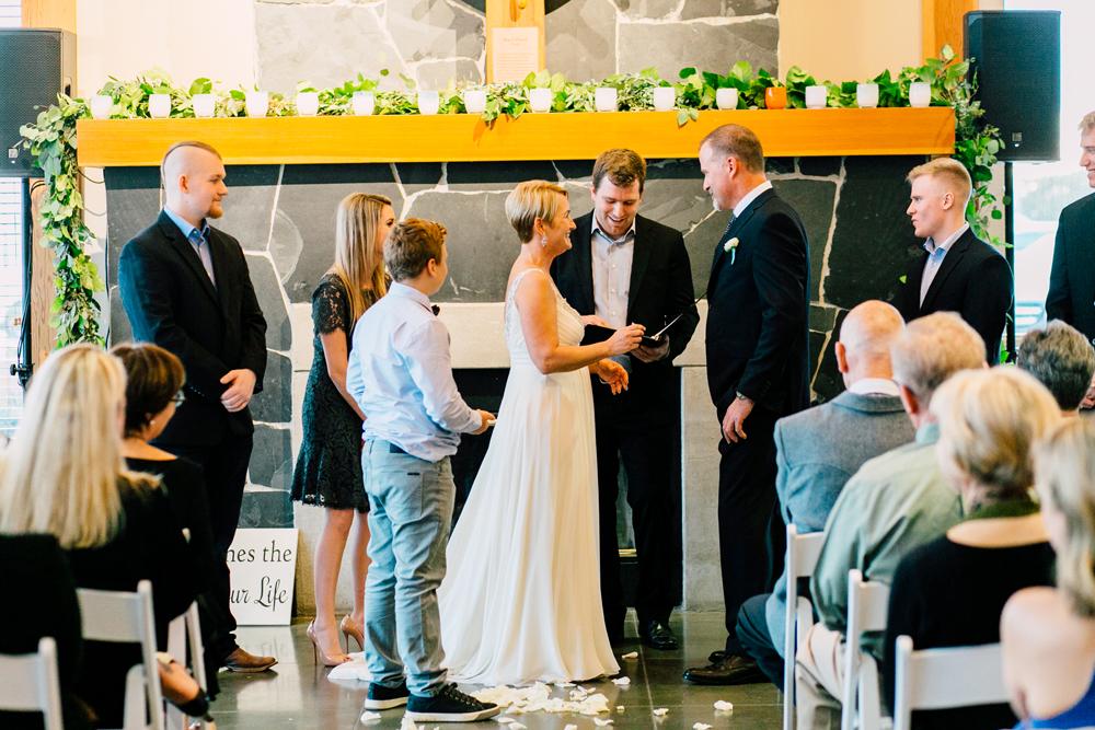 058-bellingham-wedding-photographer-bellwether-squalicum-boathouse-katheryn-moran-2017.jpg