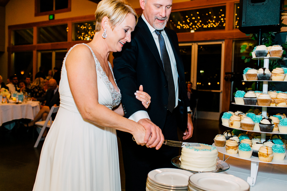 070-bellingham-wedding-photographer-bellwether-squalicum-boathouse-katheryn-moran-2017.jpg