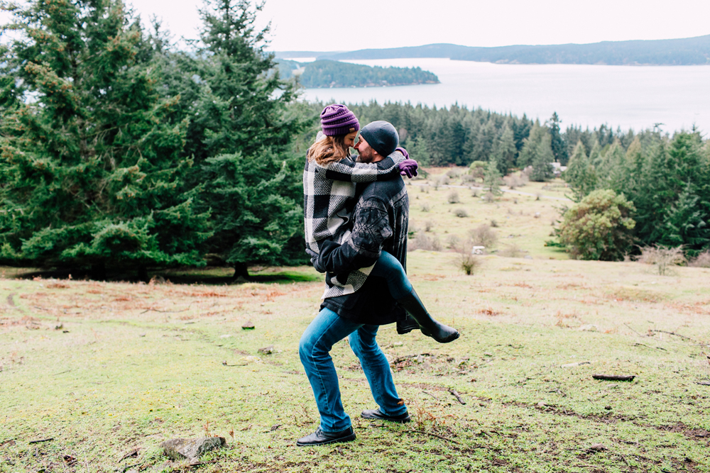 021-decatur-san-san-juan-islands-engagement-photographer-katheryn-moran-mandy-mike.jpg