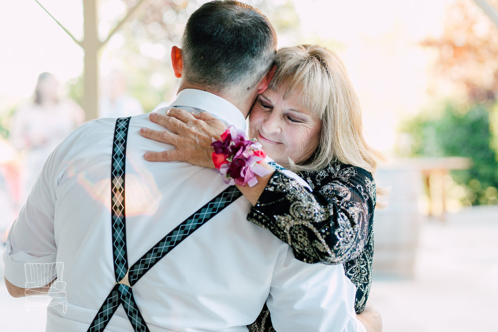 snohomish-wedding-photographer-katheryn-moran-woodland-meadow-ali-kris-8-2.jpg