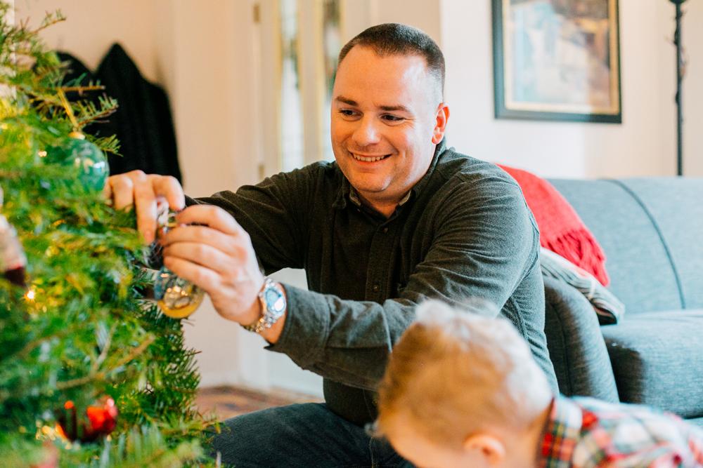012-bellingham-lifestyle-family-photographer-katheryn-moran-wegner-christmas.jpg