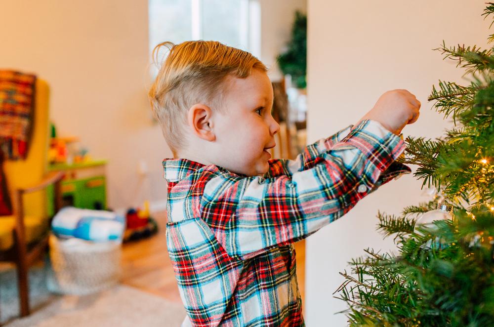 010-bellingham-lifestyle-family-photographer-katheryn-moran-wegner-christmas.jpg