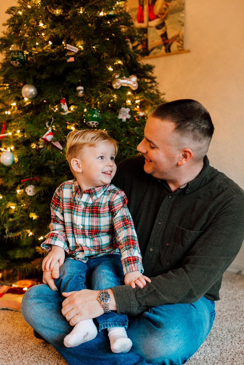014-bellingham-lifestyle-family-photographer-katheryn-moran-wegner-christmas.jpg