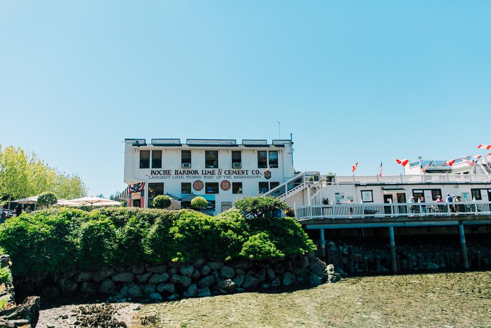 003-san-juan-island-photographer-katheryn-moran-anniversary-yellow-stripe-2017.jpg