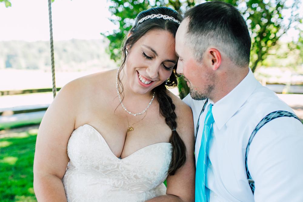 019-snohomish-wedding-photographer-katheryn-moran-woodland-meadow-farm-ali-kris-2017.jpg