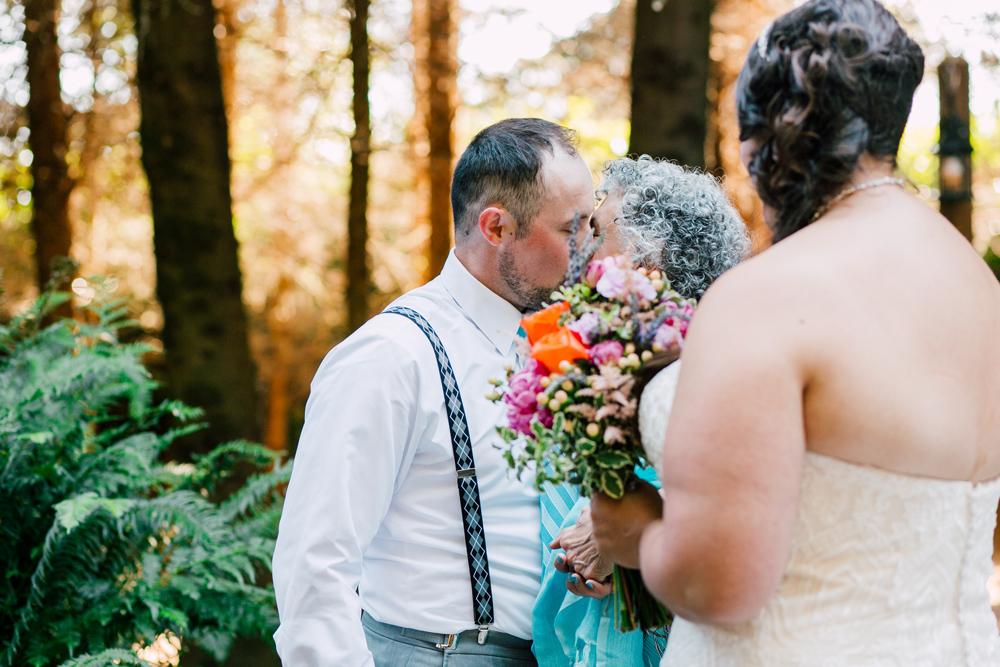 063-snohomish-wedding-photographer-katheryn-moran-woodland-meadow-farm-ali-kris-2017.jpg