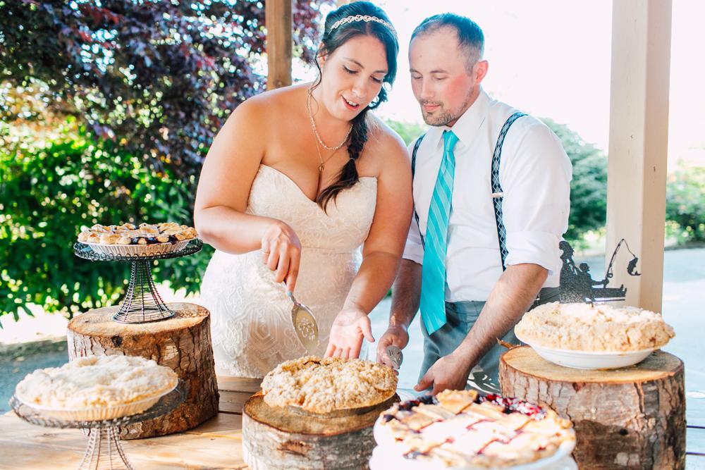 074-snohomish-wedding-photographer-katheryn-moran-woodland-meadow-farm-ali-kris-2017.jpg