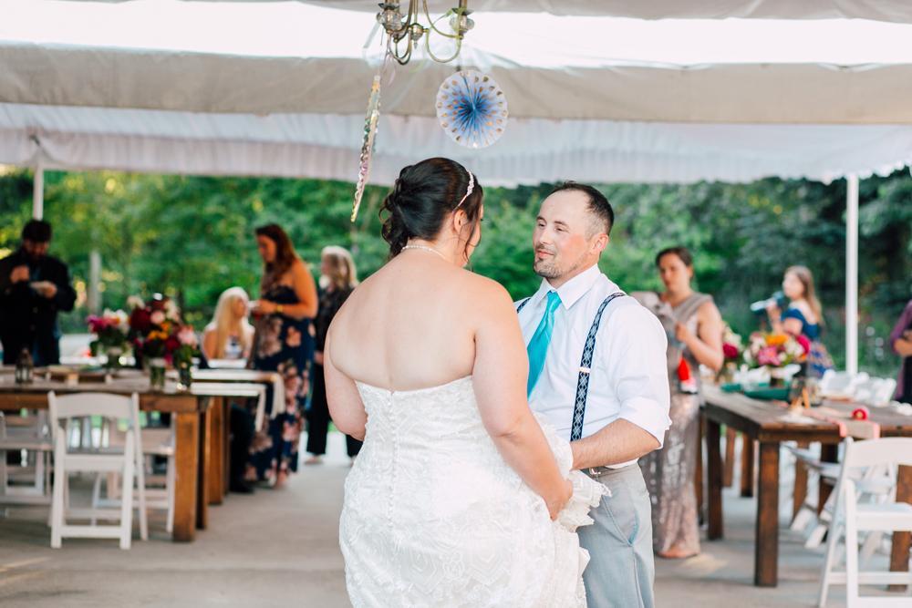 081-snohomish-wedding-photographer-katheryn-moran-woodland-meadow-farm-ali-kris-2017.jpg
