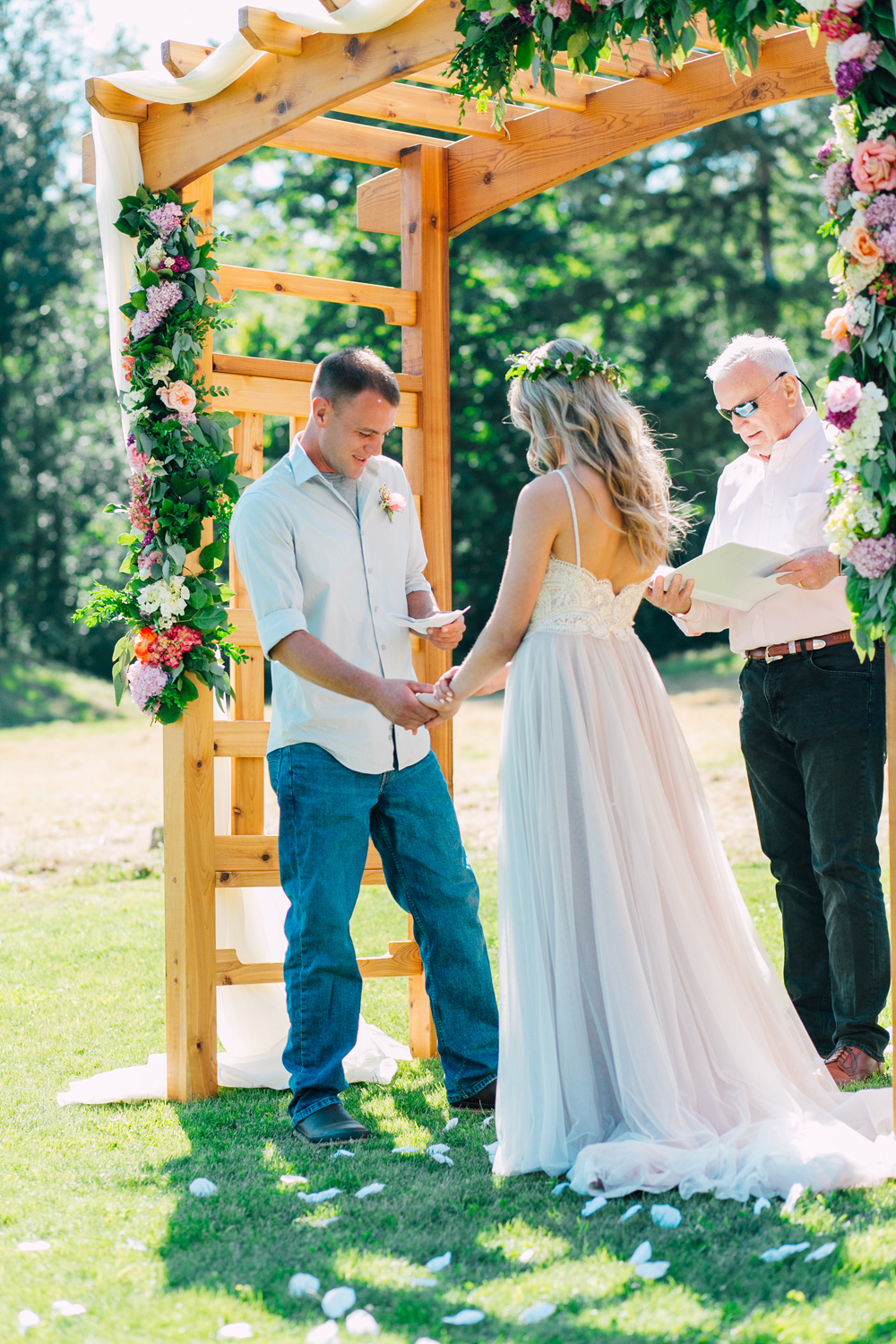 049-bellingham-wedding-photographer-katheryn-moran-backyard-wedding-ashley-kevin-2017.jpg