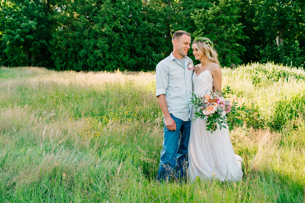 061-bellingham-wedding-photographer-katheryn-moran-backyard-wedding-ashley-kevin-2017.jpg