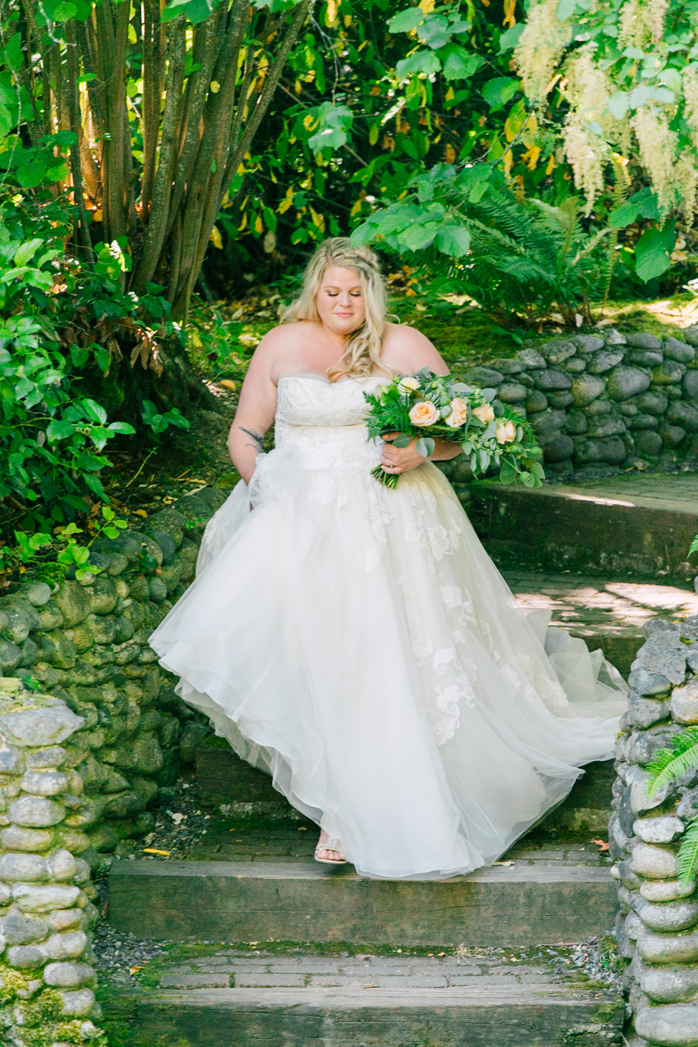 055-seattle-bastyr-grotto-wedding-katheryn-moran-photography-ashley-zach.jpg